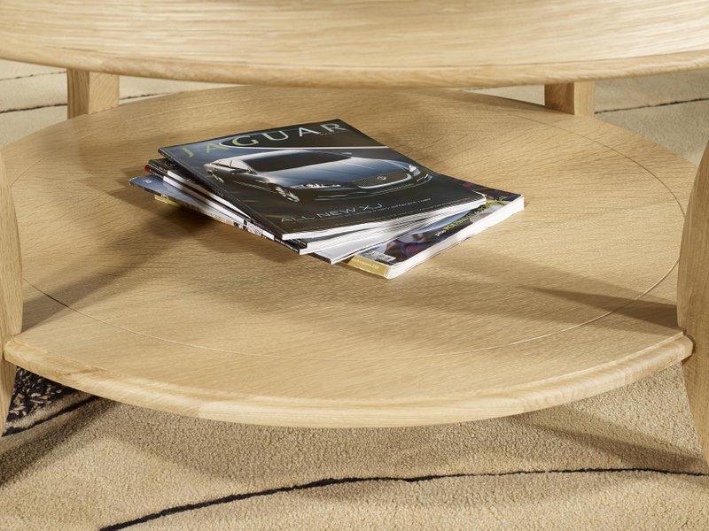 Table Basse Ronde Gael Realisee En Chene Massif De Style Louis