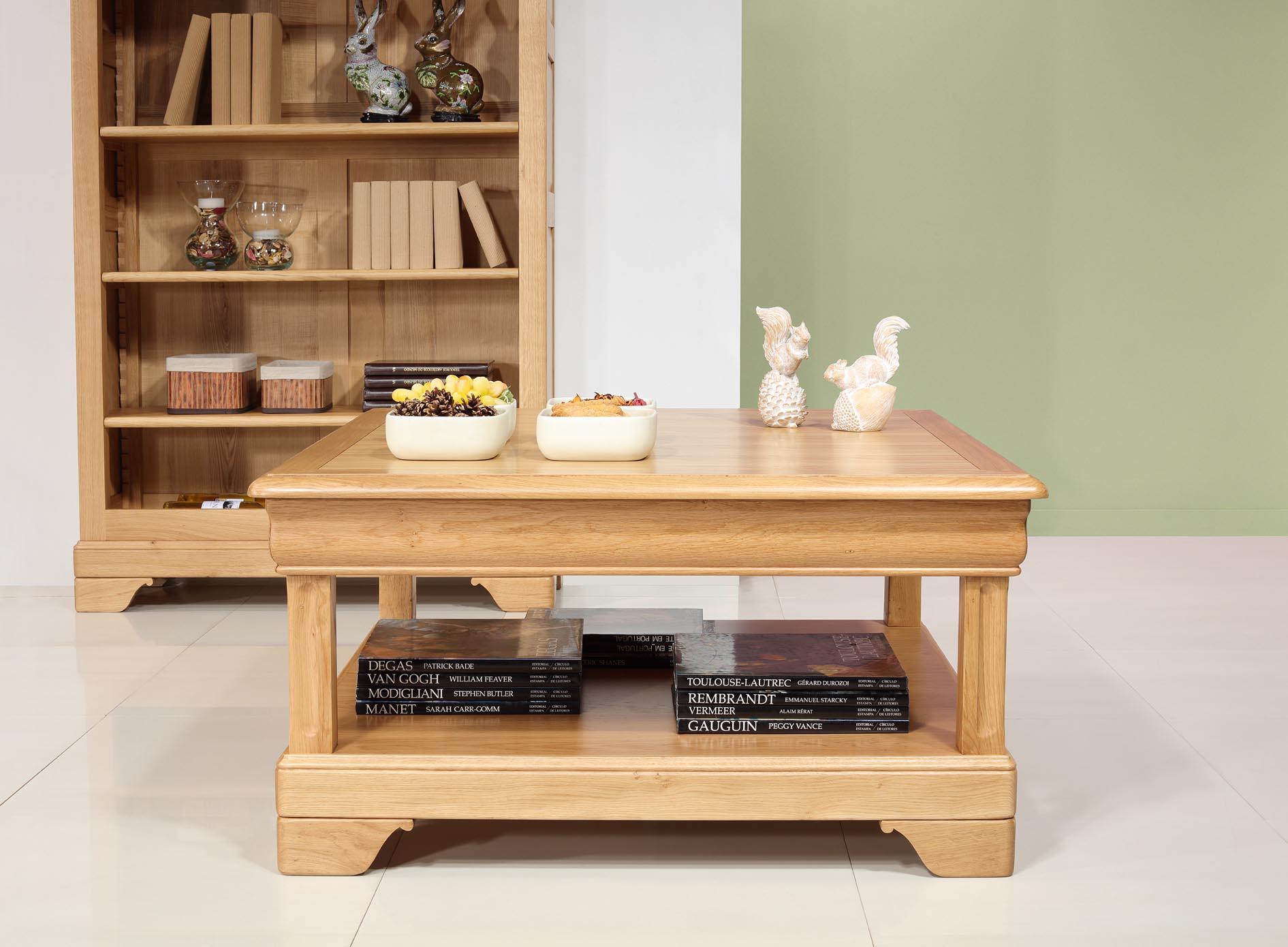 Trés belle Table basse carrée Anne-Sophie en Chêne de style Louis Philippe Finition chêne doré SEULEMENT 1 DISPONIBLE