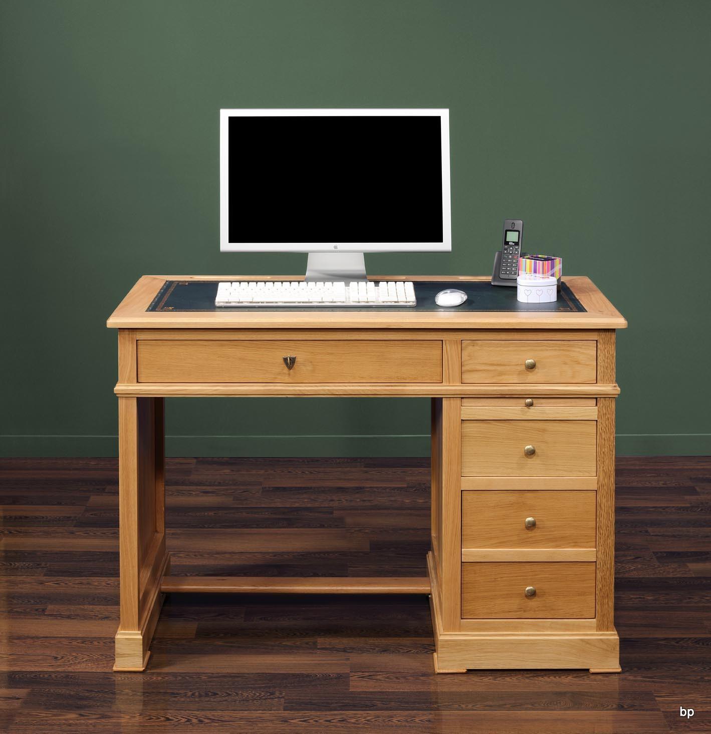 Petit bureau Luc  en chêne de style Louis Philippe Surface d'écriture en moleskine verte.