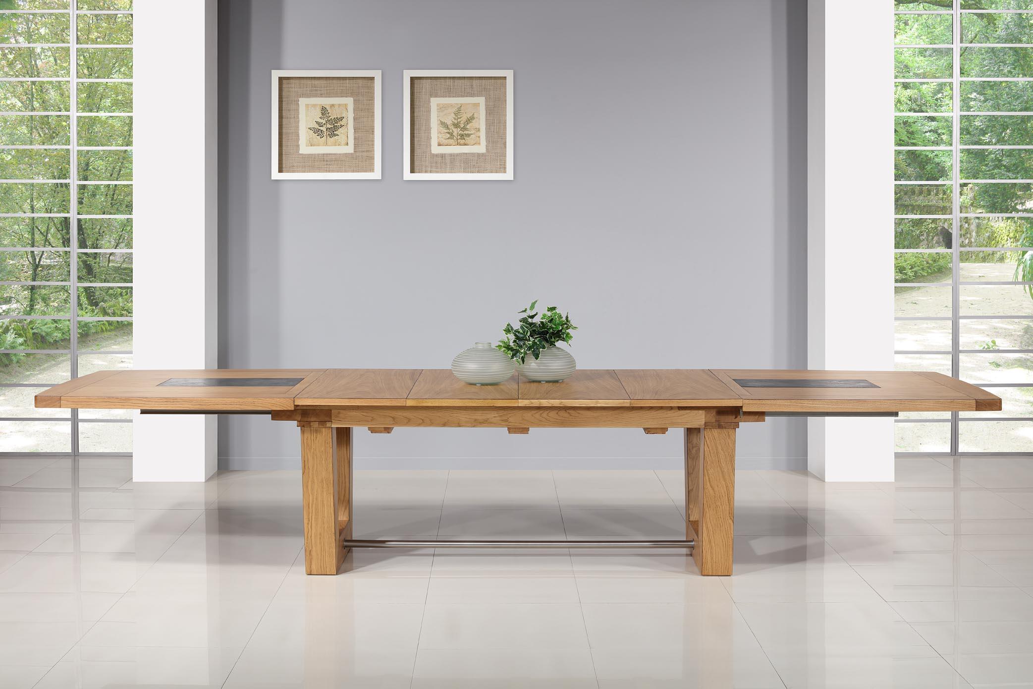 Table rectangulaire  220x110  en Chêne Massif 4 allonges de 40 cm (4 mètres avec ses allonges)  BONNE AFFAIRE 1 DISPONIBLE Finition Chêne Naturel Antik