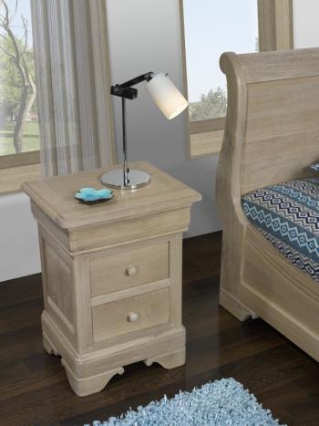 Chevet 3 tiroirs Mathis réalisé en Chêne Massif de style Louis Philippe Finition chêne Naturel Brossé Blanchi
