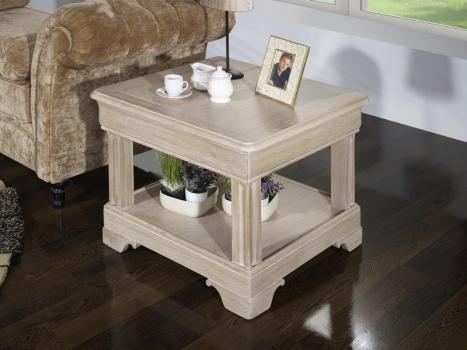 Petite table basse Ines réalisée en chêne de style Louis Philippe Finition Chêne Brossé Blanchi