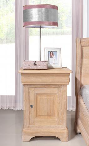 Chevet hugo 1 porte 1 tiroir, réalisé en chêne massif de style louis philippe finition chêne brossé blanchi