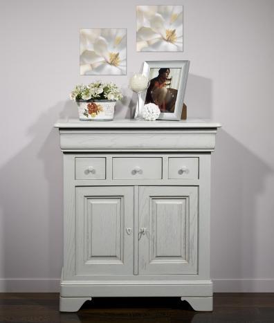 Petit Buffet 2 portes 4 tiroirs Thimoty réalisé en chêne massif de style Louis Philippe Finition Chêne Brossé Gris Perle