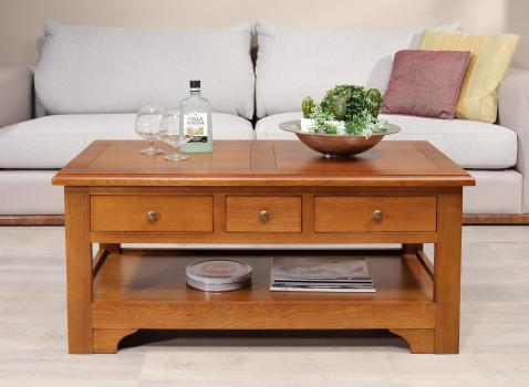 Table basse rectangulaire Jean-Baptiste réalisée en chêne de style Louis Philippe Campagnard Finition chêne moyen SEULEMENT 1 DISPONIBLE