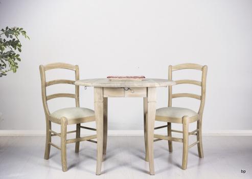 Table ronde à volets diamètre 90 en chêne massif de style Louis Philippe 1 allonge de 40 cm Finition Chêne Brossé Blanchi