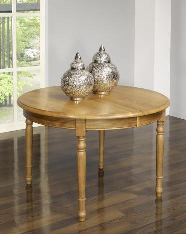 Table ronde réalisée en Chêne Massif de style Louis Philippe DIAM.120 - 3 allonges de 40 cm Finition Chêne Doré vieilli