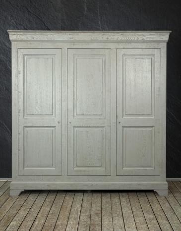 Armoire 3 portes Anne-Lise réalisée en Chêne Massif de style Louis Philippe Finition Chêne Brossé Gris