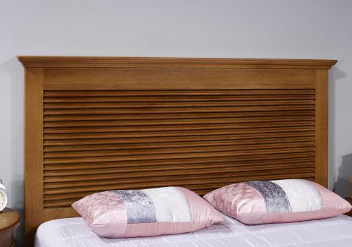 Tête de lit réalisée en chêne massif de style Campagne