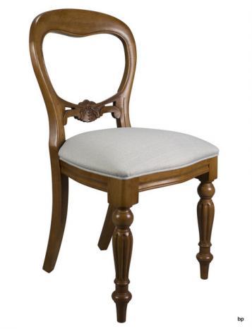Chaise sculptée main Mael réalisée en Chêne massif de style Louis Philippe
