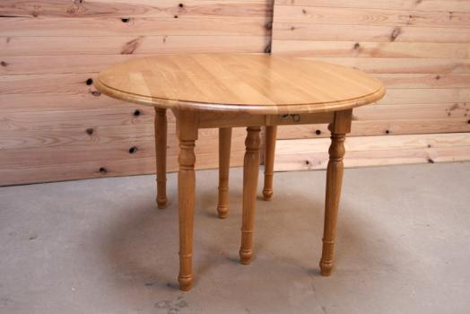 Table ronde à volets DIAMETRE 120 en chêne massif de style Louis Philippe 4 allonges de 40 cm