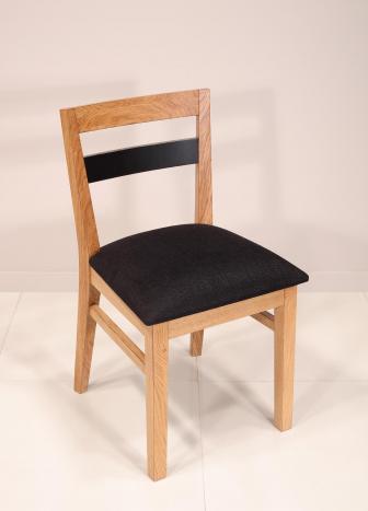 LOT DE 4 Chaises Rodrigue réalisée en chêne massif Ligne contemporaine Assise Tissu d'ameublement Noir (celles de la photo) voir table réf.c62