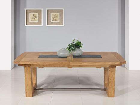 Table rectangulaire  220x110  en Chêne Massif 4 allonges de 40 cm (4 mètres avec ses allonges)  BONNE AFFAIRE 1 DISPONIBLE Finition Chêne Naturel Antik