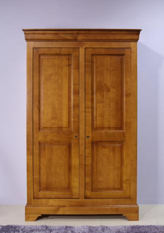 Armoire 2 portes Mélodie  en Merisier Massif de style Louis Philippe 132 cm de large 5 étagères à l'intérieur