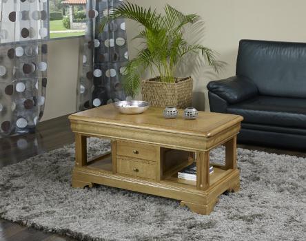 Table Basse Emmanuel réalisée en Chêne de style Louis Philippe Finition traditionnelle.