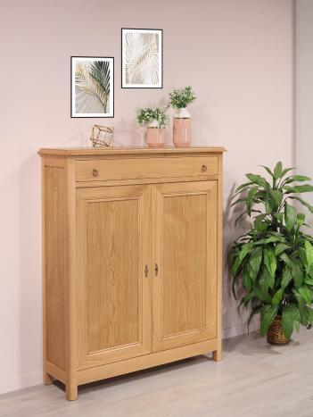 Petit bahut 2 portes olivier réalisé en chêne massif de style campagnard finition chêne naturel (photographies) seulement 1 disponible