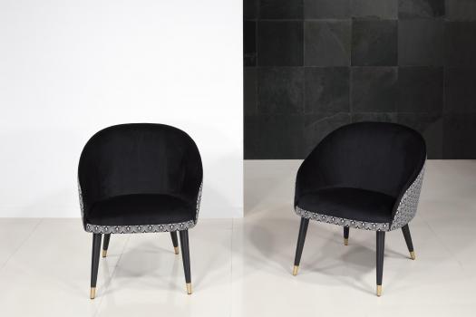 Fauteuil Cabriolet Alban avec son intérieur Noir (suédine) Tissu fantaisie pour l'extérieur  4 pieds en hêtre avec base métal doré (le fauteuil est vendu à l'unité)