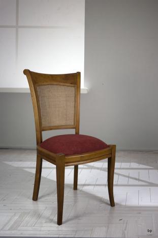 Chaise ambre réalisée en merisier de style louis philippe assise bordeaux