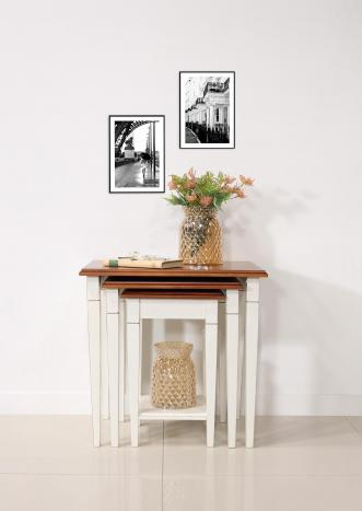 Table Gigognes en Merisier de style Louis Philippe Pieds fuseaux Finition Bicolor