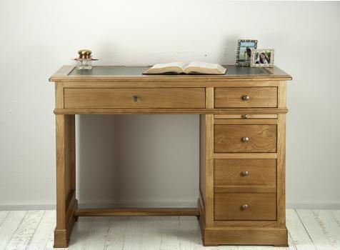 Petit bureau Luc réalisé en chêne de style Louis Philippe Surface d'écriture en moleskine verte Finition Antik