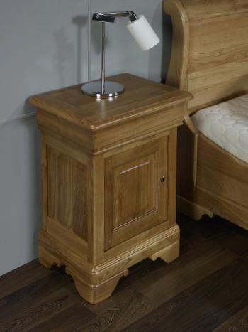 Chevet 1 porte 1 tiroir hugo réalisé en chêne massif de style louis philippe